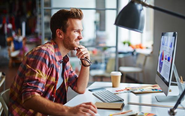 《个人网站创业者初期需要明白的四个重点》