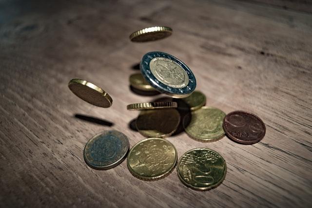 《新手需要知道可以用网站来赚钱的四个方法》