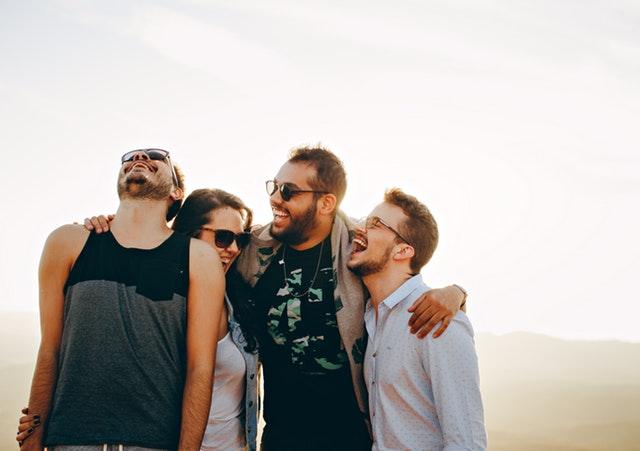 《分享五个适合新手建网站赚钱的模式》